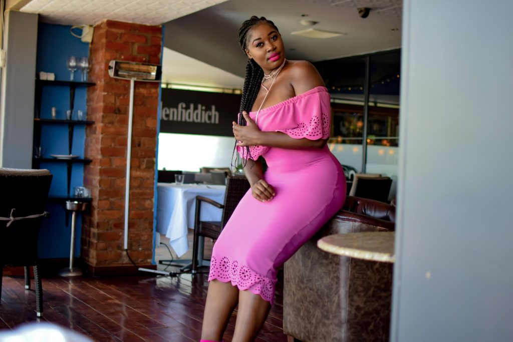 pink tight long dress, pink shoes style blogger Africa (2)
